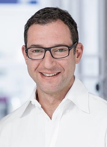 El técnico dental Oliver Brix