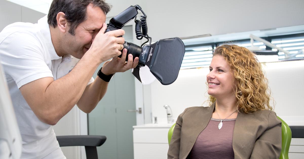 Gute Dental-Fotos sind ein sehr wichtiges Instrument, um sich über Patientenfälle, konkrete Herangehensweisen und Herausforderungen zu informieren.