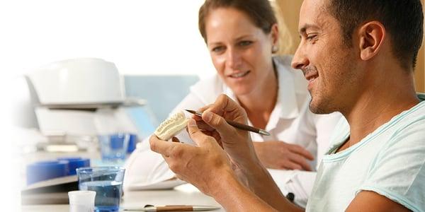 Featured image - Welche Informationen wünscht sich Ihr Zahntechniker von Ihnen?