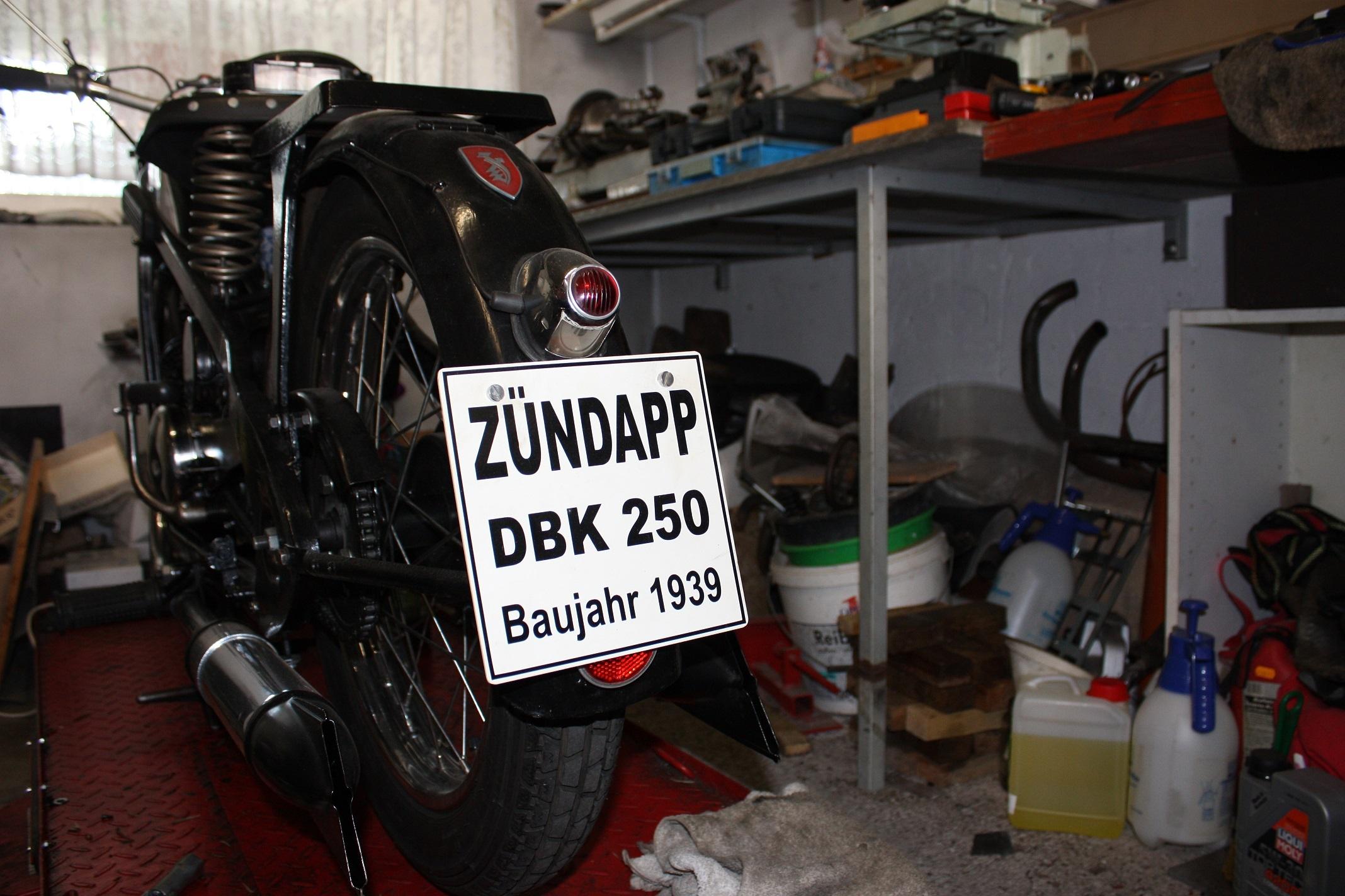 Brinkmann's oldest bike is a Zündapp DBK 250 from 1939.