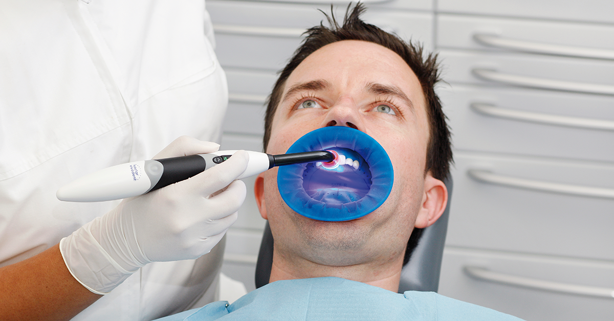 You should therefore make certain that the light unit emits a sufficiently high light intensity when curing through indirect restorations in particular.