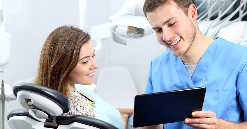 Dentists who include beauty treatments in their range of services present themselves as modern and trend-oriented