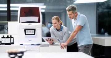 Uno sguardo dietro le quinte della stampa 3D: il test beta di PrograPrint in laboratorio odontotecnico