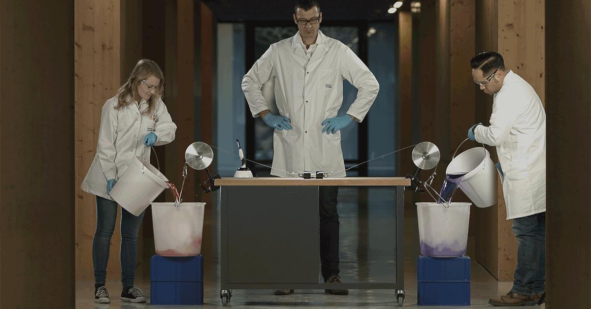 Video: un adesivo estremamente resistente